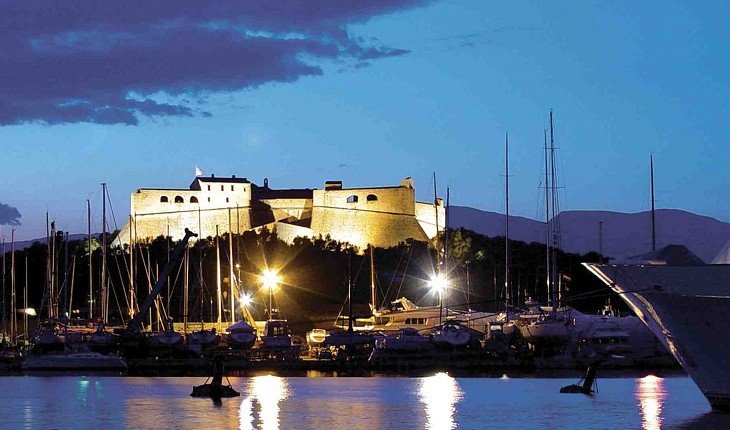 Why invest in Juan les pins / Antibes?
