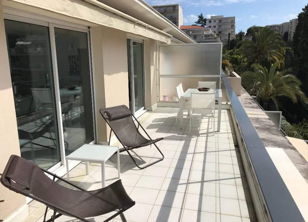 A VENDRE 4 PIÈCES DERNIER ÉTAGE JUAN LES PINS - Tanit Immobilier