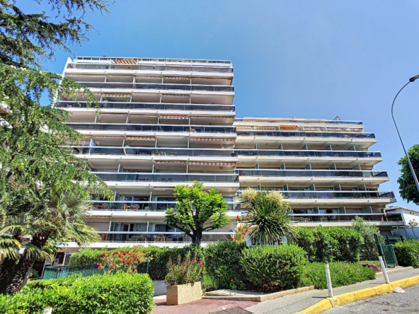 ANTIBES JUAN LES PINS ROSTAGNE 2 Rooms with large terrace - Tanit Immobilier